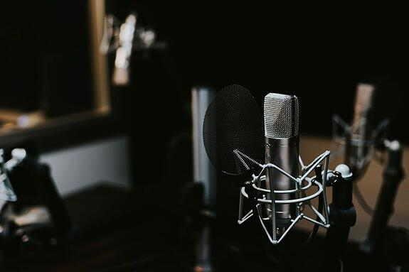 How Podcasts Help With Internet Marketing